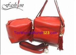 Tas Bahu dan Tas Slempang Virolita Box Tassel Merah
