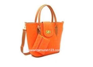 Tas Wanita Merah Big Woven Orange
