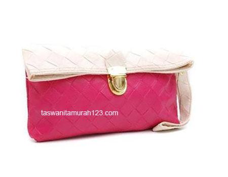 Clutch Murah Big Woven Pink